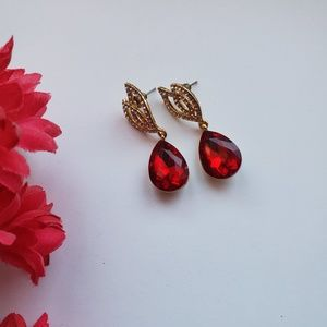 Gorgeous Red drop earrings with rhinestone